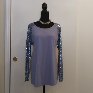 💙Diane Gilman Blue Tee With Sequined Sleeves Sz L